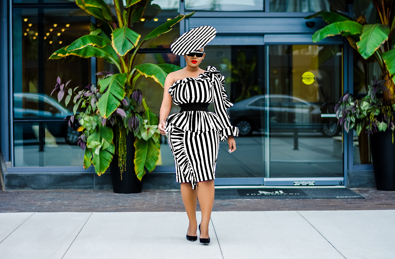 Black and white fashion trends for the woman who dares to be fierce!